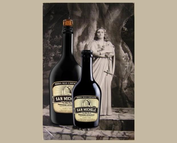Birra. Bottiglie di Birra con alcol. Birra artigianale