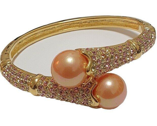 bracciale placcato oro. Bracciale placcato oro con strass e perle colore cipria