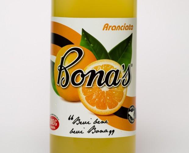 Aranciata Bona's. Prodotta con succo d'arancia Siciliane