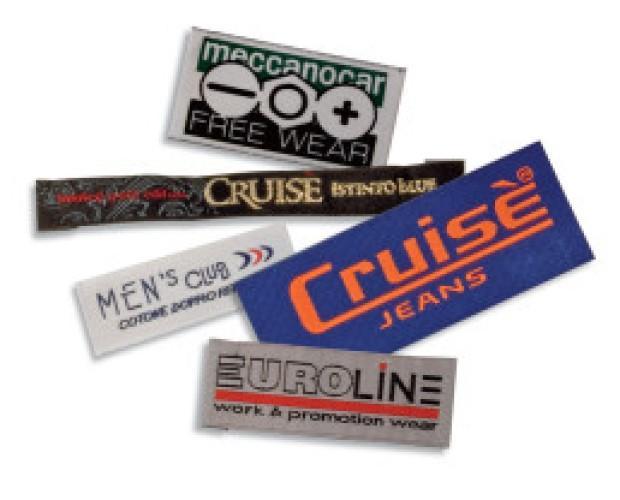 Etichette. Tessute, stampate