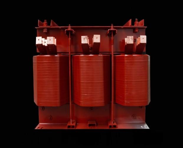 Motori Elettrici.Trasformatori trifase per uso navale civile
