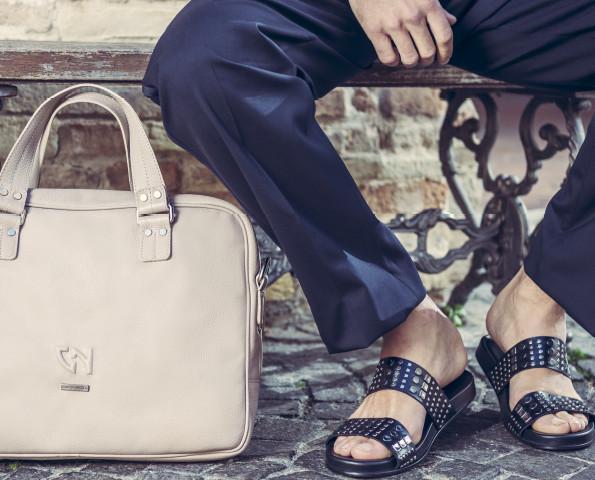 Scarpe ed accessori. Per una linea interamente maschile.