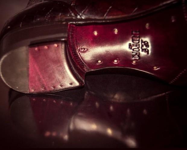 Calzature maschili. Manifattura artigianale e cura per i dettagli.