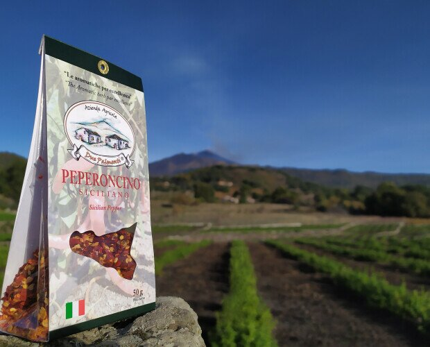 Peperoncino siciliano. Coltivato secondo una forma di agricoltura sostenibile a basso impatto ambientale