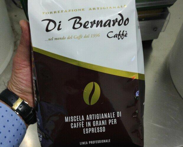 Caffè in Grani. Miscele professionali di caffè tostato in grani.