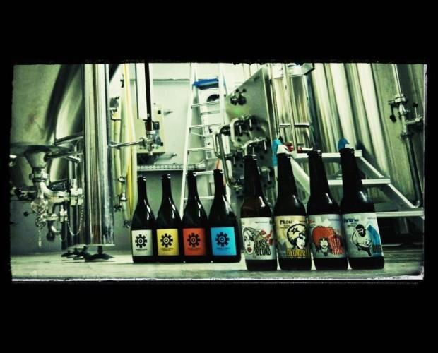 Birra. Bottiglie di Birra con alcol. Birre artigianali