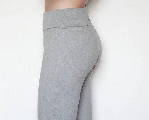 Pantaloni cotone. Pantaloni comodi e confortevoli cotone biologico.