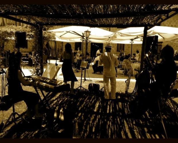 Musica dal vivo. Eventi per matrimoni e non solo