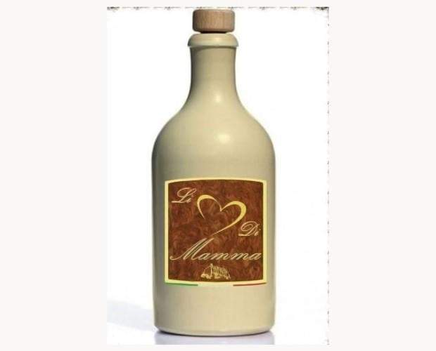 Liquori. Liquore Artigianale. Prodotto con cacao ed aromatizzato alla vaniglia