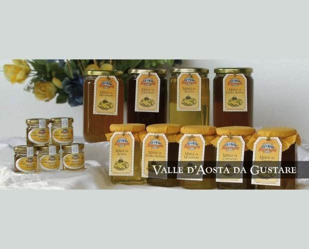 Miele. Miele locale di ottima qualità.