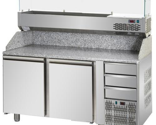 Attrezzatura Horeca. Tavoli da Lavoro. Banco pizza in acciaio con armadio refrigerato sottostante.