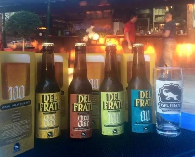 Birra. Bottiglie di Birra con alcol. Birra artigianale di altissima qualità.