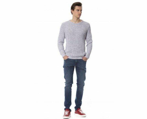 Abbigliamento.. Versace Jeans, Trussardi, Lacoste, Salvatore Ferragamo, Off-White, Tom Ford, Moncler.