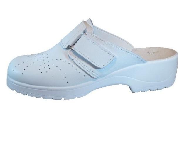 Pantofole e Ciabatte.Modello classico femminile in bianco