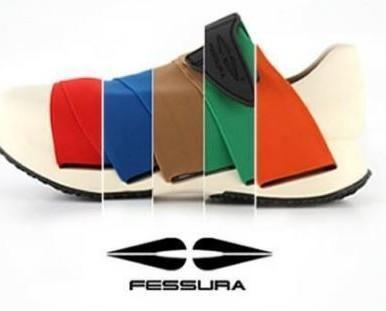 Calzature Sportive.Disponibili in diversi colori.