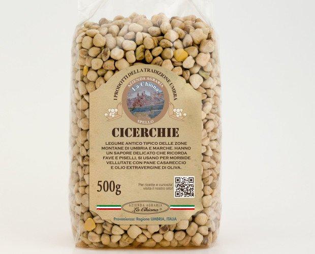 Cicerchie. La cicerchia è un legume legato alla tradizione più antica delle regioni centro meridionali. Il sapore è delicato e ricorda fave e piselli.