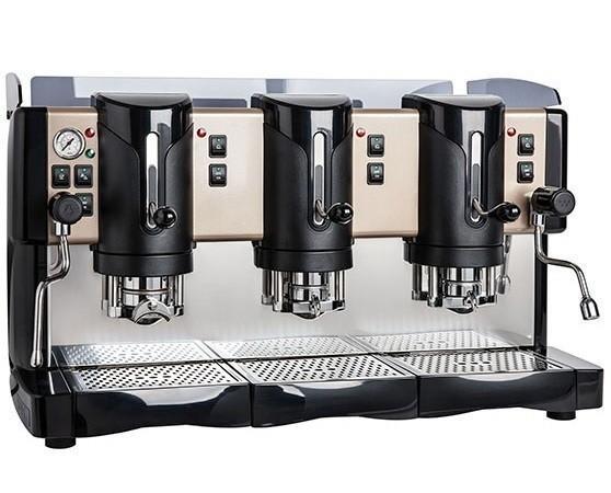 Macchina per HoReCa. Macchine da caffè con capsule