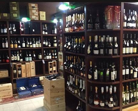Assortimento di vini. Il nostro vino rosso