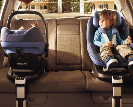 Articoli prima infanzia. Seggiolini per auto.