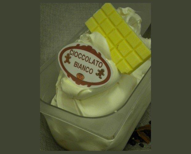 Gelato Artigianale. Gelato Artigianale al gusto di Cioccolato bianco