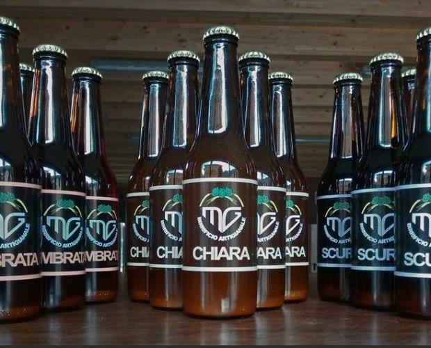 Birra artigianale. Chiara, ambrata e scura.