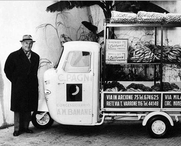 Foto d'archivio storico. Uno dei primi punti vendita