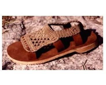 Sandali. Produzione in cuoio e cotone