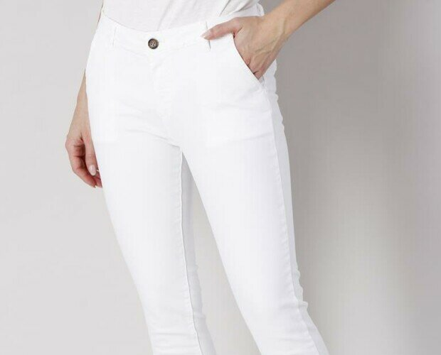 PANTALONI DI COTONE. Pantaloni di cotone con tasche alla francese