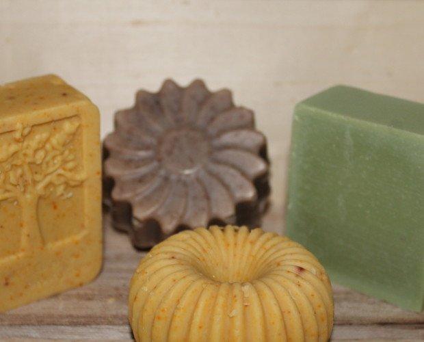 saponi. saponi all'olio di oliva toscano lavorati a freddo fatti a mano