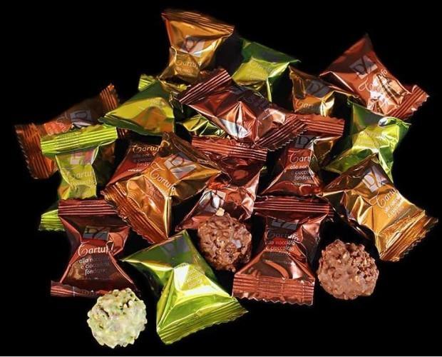 Cioccolato gourmet.Tartufi al cioccolato di diversi tipi