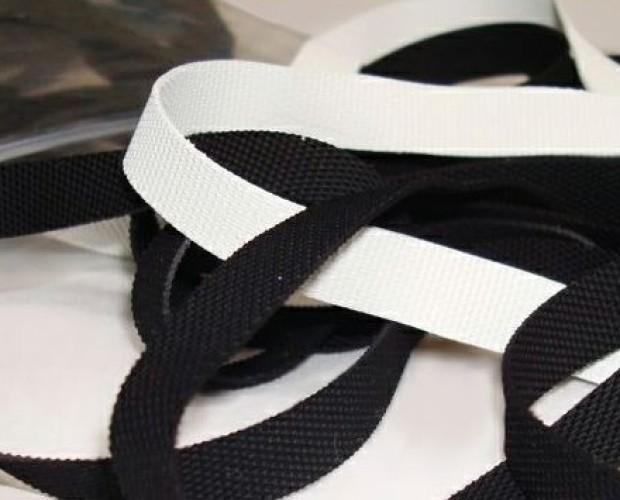 Fettuccina elastica. Zigrinata in gomma naturale