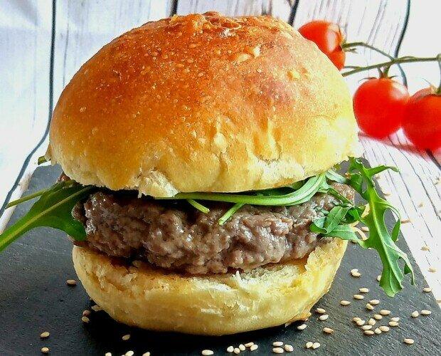 Panini. Panini da Burger Buns con farine di grani antichi,cereali,farro,