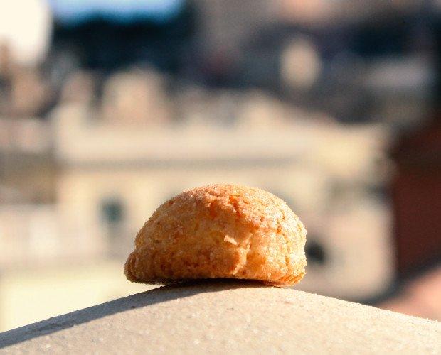 Amaretto. Amaretti tipici Sassellesi, classici e vari gusti.