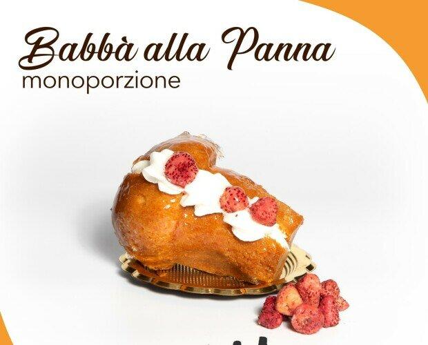 Baba'. Baba' crema e amarene , panna e fragole o cioccolato e granella di NOCI