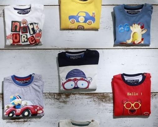 Magliettine Colorate. Colore e qualità in un prodotto italiano.