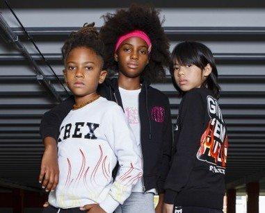 Pyrex. Pyrex Maschie e Femmina 3-7 anni 8-16 anni