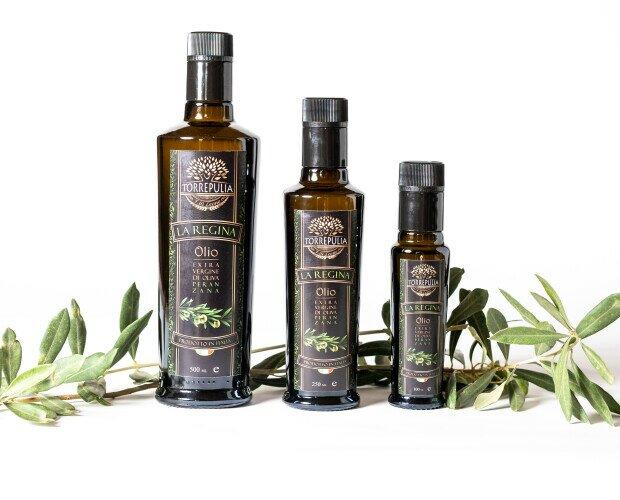 Olio Evo La Regina. Olio extravergine di oliva monovarietale: Peranzana. Formati bottiglie disponibili.