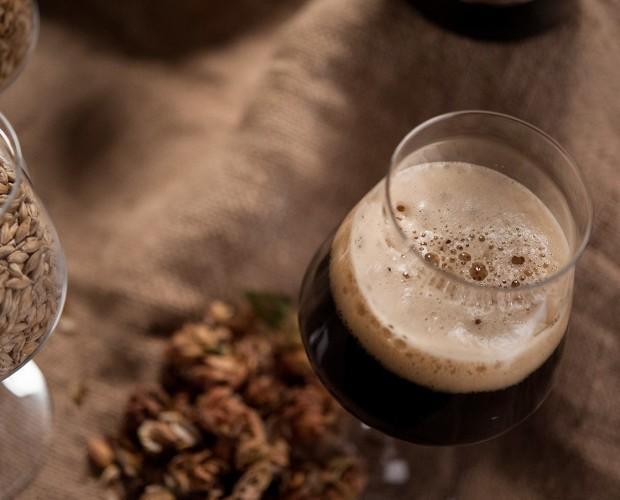 Birra artigianale. Disponibile in eleganti bottiglie da 33 e 75 cl