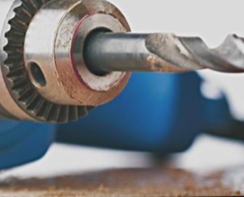Materiali Elettrici. Riparazione, manutenzione e vendita utensili.