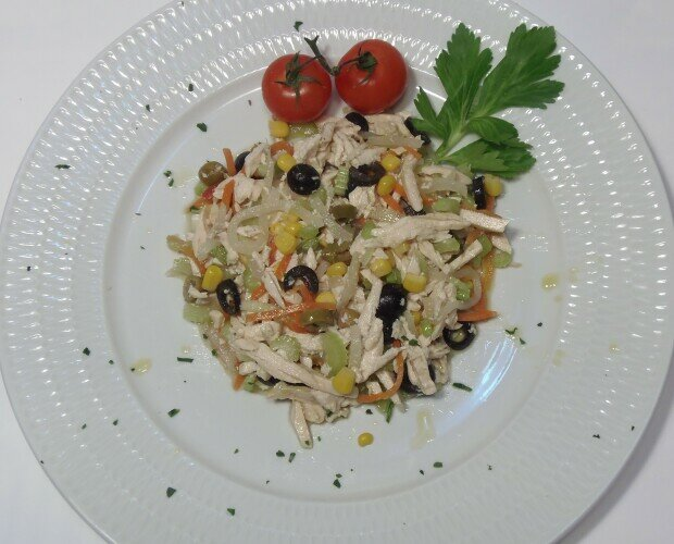 Chicken Salad. Prodotto disponibile in ATM e surgelato.