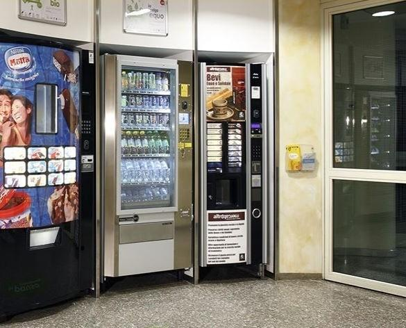 Distributori Automatici. Shop center self-service 24h