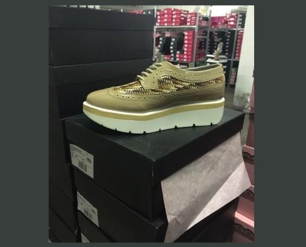 . Stock calzature Fornarina