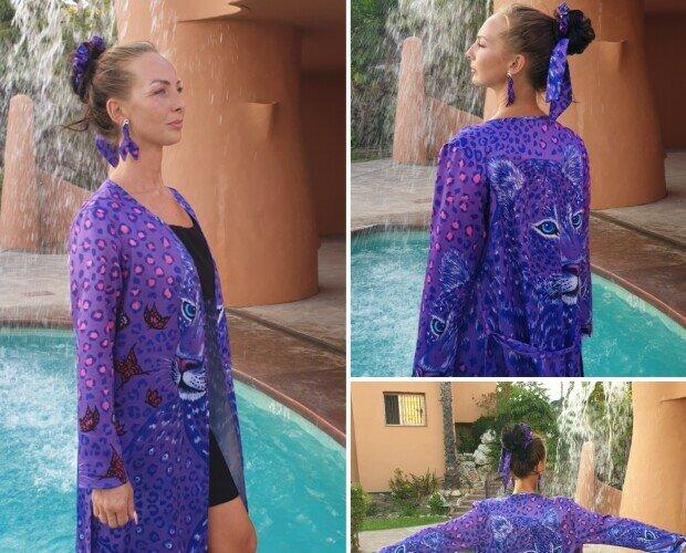 Purple Leopard kimono. Kimono con diseño único hecho a mano de alta calidad. www.helenbellart.com