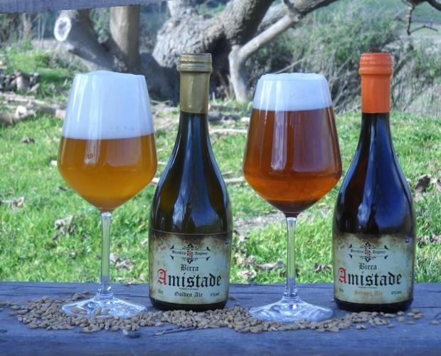 Birra artigianale . Ambrata e Chiara