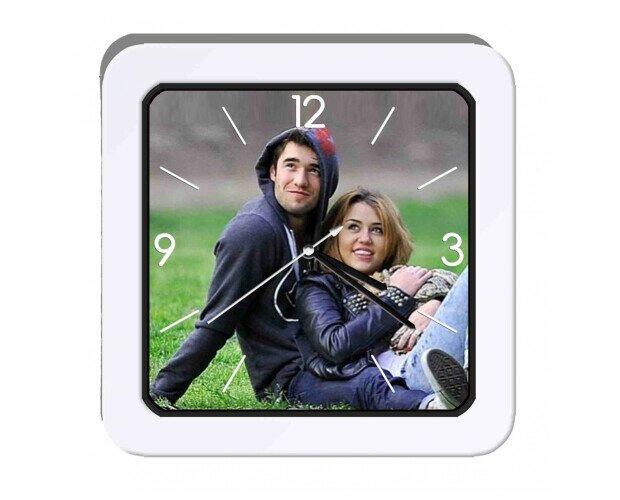 Sveglia orologio da tavolo. Allarme tradizionale, in plastica cm 14,5. Varie immagini disponibili