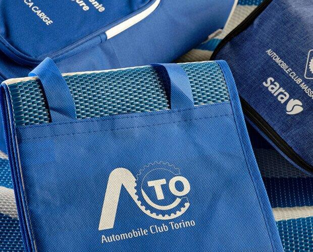 Omaggi Automobile Club Italia. Realizzazione borse, ombrelli, gadget e accessori per auto.