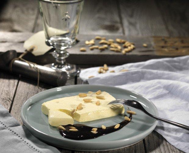 031_MATTONELLA_PINOLI-EXTRA. Mattonella Pinoli Extra con Pinoli Italiani Scelti (incartata a mano) 60 g Mattonelle Semifreddo alla vaniglia con pinoli...