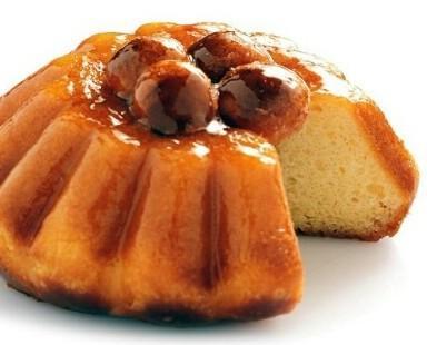 Babá. Babá e tutti i dolci che puoi trovare nella vetrina di una buona pasticceria tipica napoletana