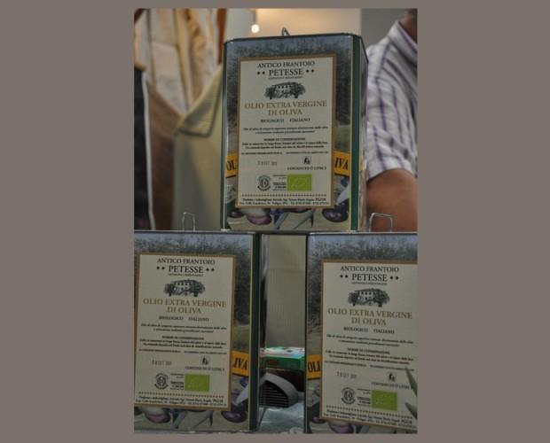 . Olio di oliva extravergine Petesse