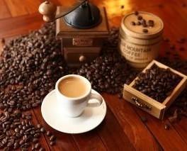 Caffè in Grani. Proponiamo anche attrezzature Horeca